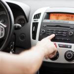 145 Meter Unachtsamkeit: So sehr lenken Radio und Co. den Fahrer ab