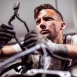 Auto selbst reparieren: Was ist bei modernen Fahrzeugen noch möglich?