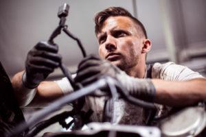 Auto selbst reparieren - macht das bei modernen Autos denn Sinn?