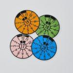 Rosa TÜV-Plakette ist 2018 abgelaufen – Strafen & Zeiten