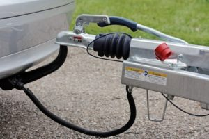 Anhängerkupplung eintragen lassen: Wann ist eine Eintragung beim TÜV notwendig?