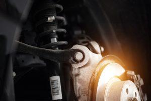 Stoßdämpfer wechseln am Auto – Kosten, Reparatur und Anzeichen für Wechsel